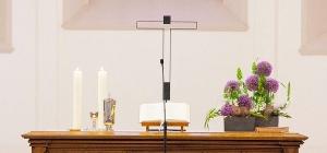 Altar der evang. Kirchengemeinde Linkenheim
